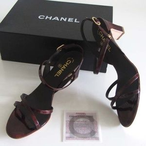 new CHANEL gold CC logo brown patent sandals 41 11